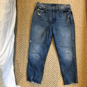 Abercrombie 100% cotton High Rise Mom Jeans